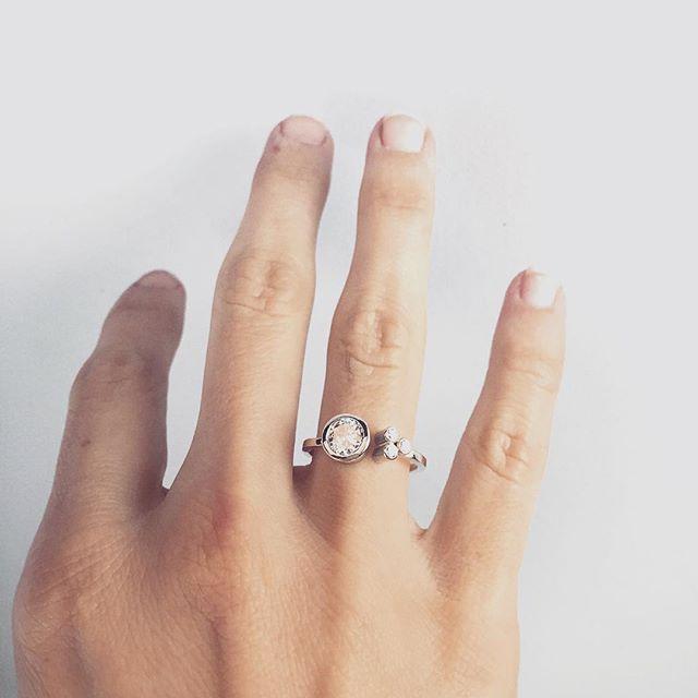 #emilytriplettjewelry #modernjewelry